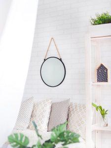 Como usar espelhos decorativos - Espelho decorativo na sala