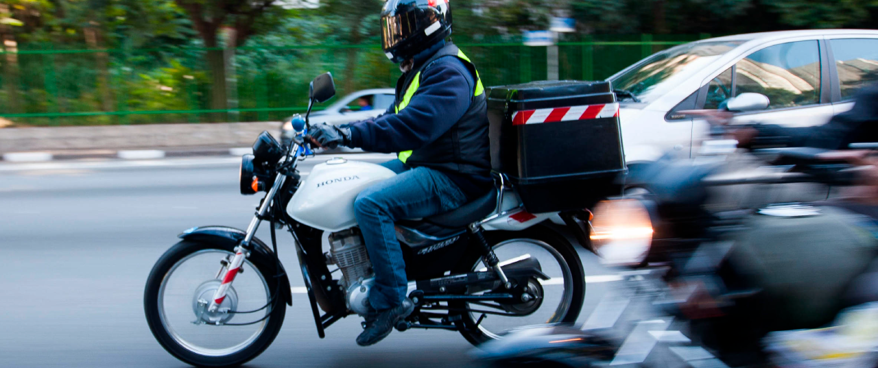entregador motoboy