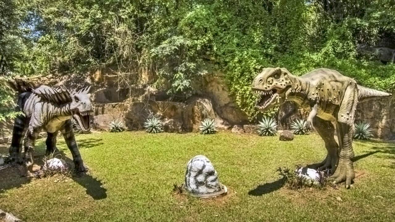 Parque dos Dinossauros em Salto