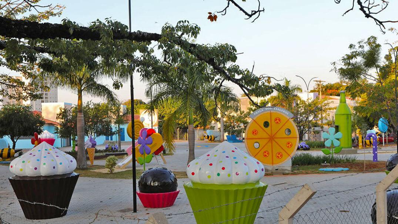 Praça dos Exageros - Itu