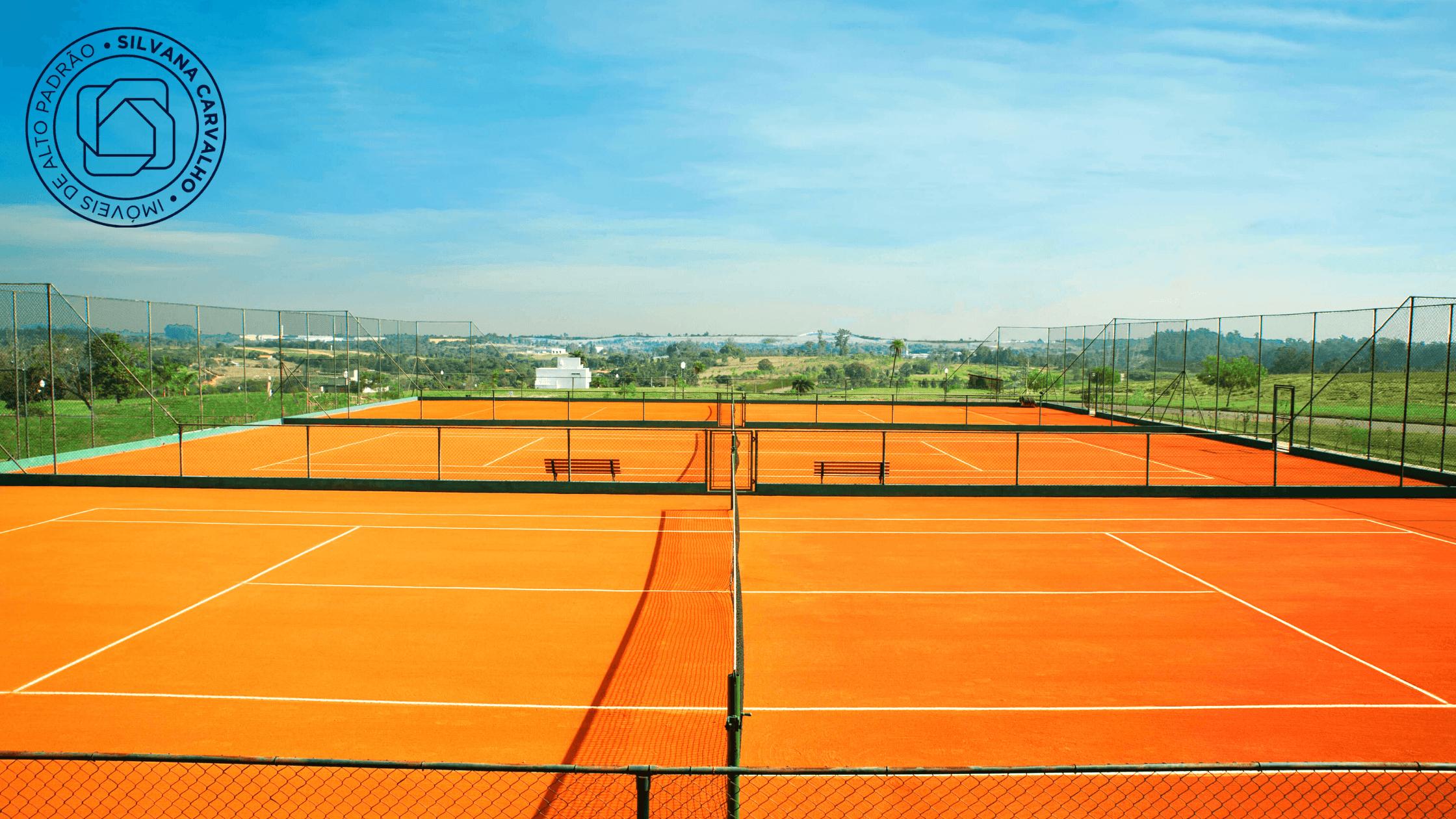 Quadras de tênis do Condomínio Villas do Golfe